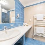 standard-koupelna-modra