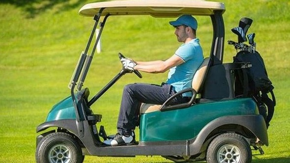 Golf buggy po zimě k dispozici